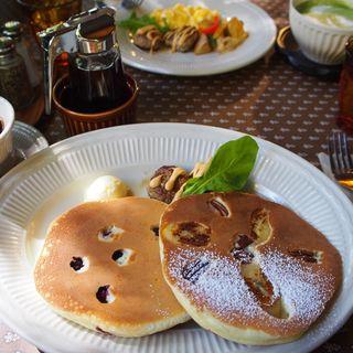 パンケーキセット、メープルフレーバーシロップ付(キャボット・コーブ )