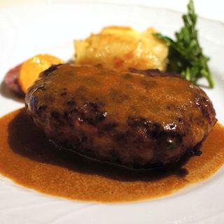 熟成牛のハンバーグステーキ(カルネヤサノマンズ )