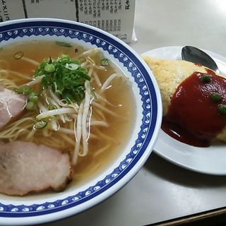 セットメニュー ラーメン+オムライス(小)( ほうらく )