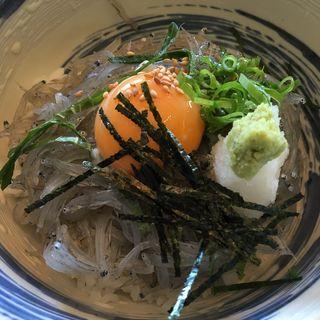 生しらす丼(お食事処 浜ちどり )