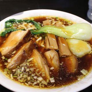 肉そば(トンポーロー麺)(柳麺まる重)