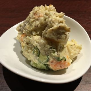 自家製パンチェッタのポテトサラダ(大衆肉バル カミイチ)