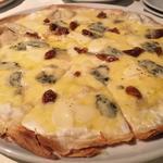 ゴルゴンゾーラ&イチジクのピザ はちみつがけ