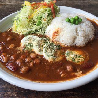 豆とツナとたまごのカレー(カフェセントロ)