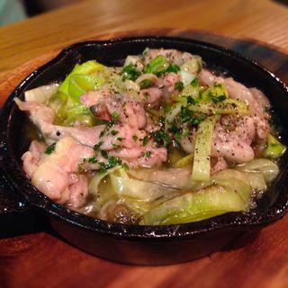 鶏セセリとポロねぎの塩レモンアヒージョ(京橋ZION (キョウバシザイオン))