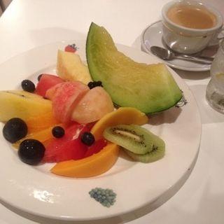 8種類以上のフルーツサラダ