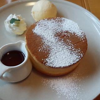 ふわふわ厚切りパンケーキ(クロックカフェ (CLOCK Cafe))