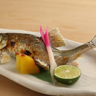 鮎の塩焼き(酒菜おもてなし陣家 )