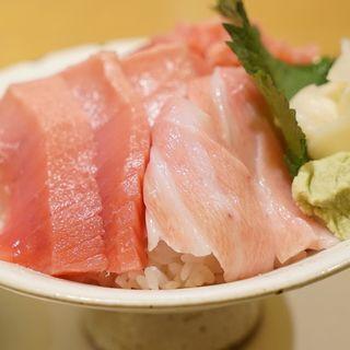 贅沢マグロ丼(虎杖 表店)