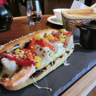 海老と帆立のBBQサンドイッチ