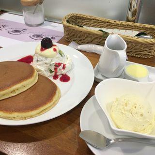 フルーツパンケーキ(ホットケーキパーラー フルフル 赤坂店 (Fru-Full))