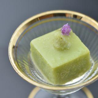 抹茶の押し豆腐(十駕 (じゅうが))