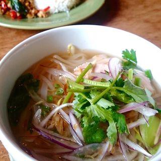 鶏肉と香味野菜のベトナムフォー(モンスーンカフェ たまプラーザ店)