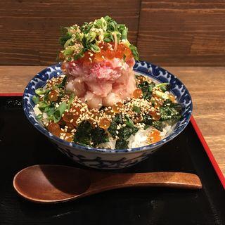 海鮮まるひ丼(松)(串揚げ ひかりや 近江町店 )