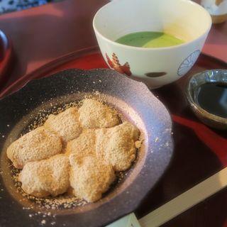 わらび餅と抹茶(ぎをん 小森 (ぎをん こもり))