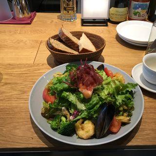 漁師風サラダ(ベーカリー&レストラン 沢村 新宿 )