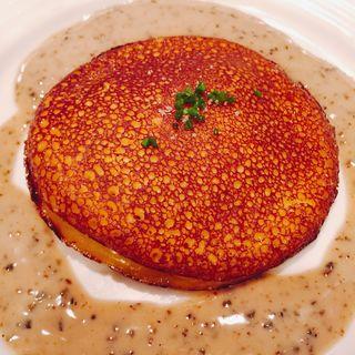 フォアグラのパンケーキ(パリのワイン食堂)