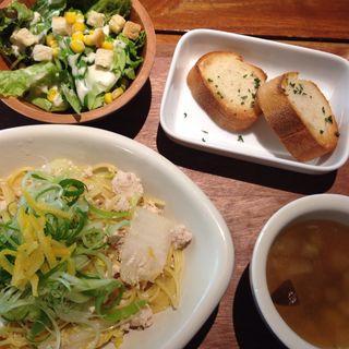 #702週替わりパスタ(#702 CAFE&DINER なんば (ナナマルニ カフェアンドダイナー))