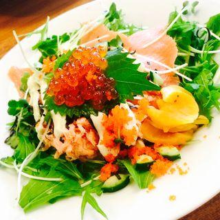 サーモンいくら丼(MOJA in the HOUSE)