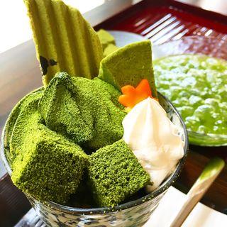 濃厚抹茶パフェ(茶乃逢 (さのあ))