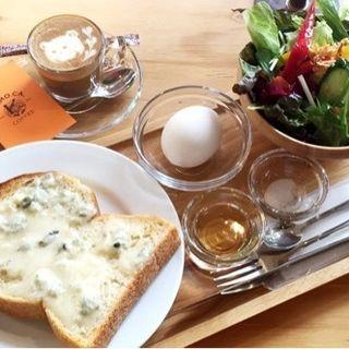 モーニングセット(ゴルゴンゾーラトースト はちみつ添)(TO.MO.CA. Coffee)