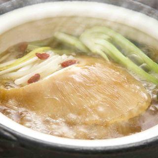フカヒレの姿煮(日本料理 「さくら」 ヒルトン東京お台場 )