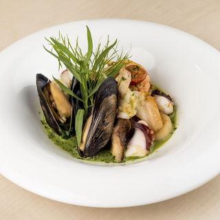 鮮魚のポワレ(ラコルト (Raccolto))