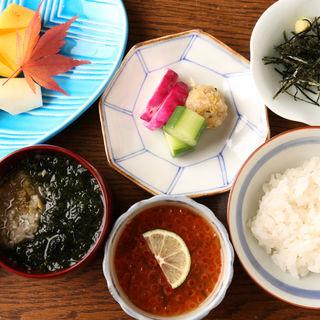 イクラ飯(知仙 (ちせん))