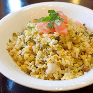 気まぐれチャーハン+高菜チャーシュー(DRAGON炒飯 (ドラゴンチャーハン))