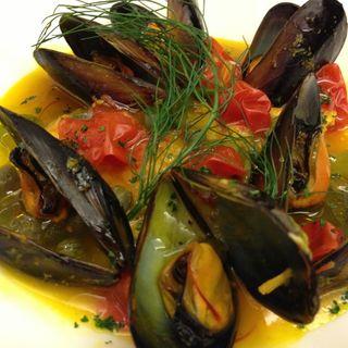 ムール貝の白ワイン蒸し(ラバルカ (La Barca))