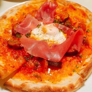 カポナータと生ハムのビスマルク風ピザ(アナログ カフェ ラウンジ トーキョー (ANALOG CAFE/LOUNGETOKYO))