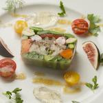 旬の野菜を味わう『野菜と天使の海老のテリーヌ』