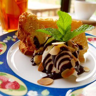 シフォンケーキ(ひとやすみの庭 )