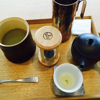 抹茶餡の嶺岡豆腐と玉露のお茶(茶洒 金田中)