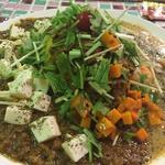 麻婆豆腐カリーと海老とアサリのココナッツマスタードカリー