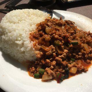 豚挽肉レッドカレー炒めご飯(チャオバンブー)