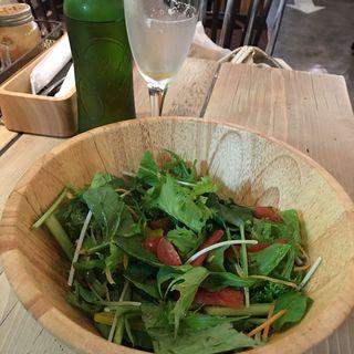産直野菜のフレッシュサラダ(エー ピッツァ 高田馬場店 (A PIZZA))