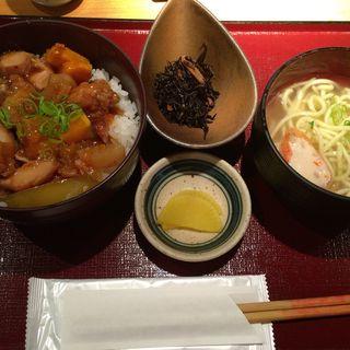 鶏南蛮丼と八重山そばセット(溜池 うさぎ家 (ためいけうさぎや))