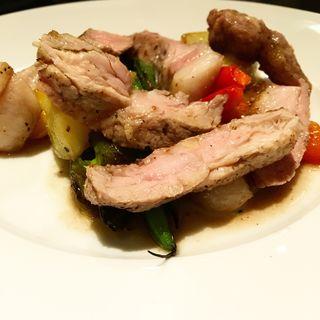 白金豚肩ロース肉のアリスタ(サラ スイート カフェ ルーコラ (Sala Suite Caffe Rucola ))