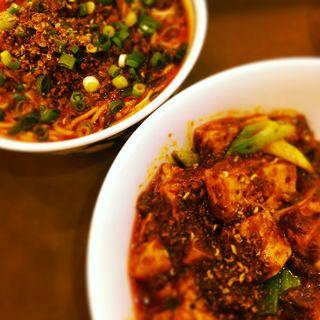 担々麺(ペアセット)(陳麻婆豆腐 クイーンズスクエア店 (チンマーボードウフ))