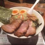 ラーメン店がひしめく大激戦区!六甲道で選び抜いたラーメンを食す!