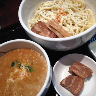 カレー味噌つけ麺(ジンジャーヌードルスポット カクエイ (GingerNoodleSpot 角栄))
