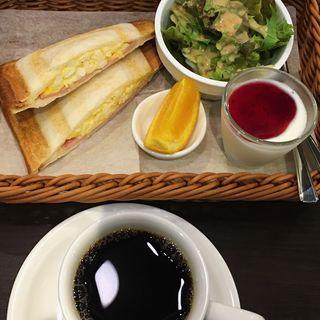 ハムとたまごのホットサンド(さかい珈琲 広島千田町店 )