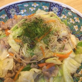 焼きビーフン(大衆割烹 寿久酒造)