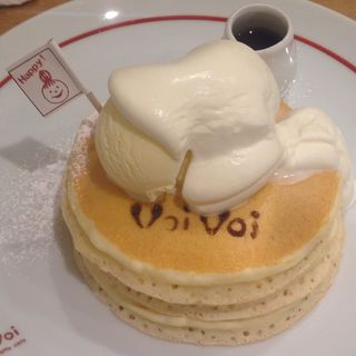 Voi Voiスペシャルパンケーキ(紅茶セット)(パンケーキママカフェ VoiVoi (ヴォイヴォイ))