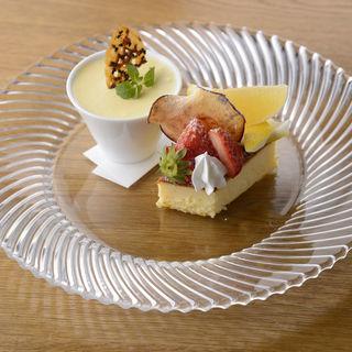 プリンとチーズケーキ(井ざわ )