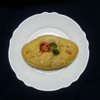 夏野菜の彩りカレーパン