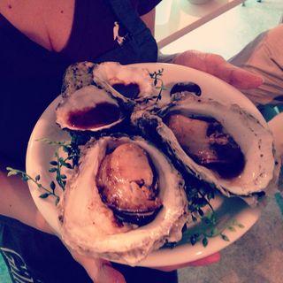 巨大セカウマ岩牡蠣のレアステーキ(日曜かきフライヤーズ)
