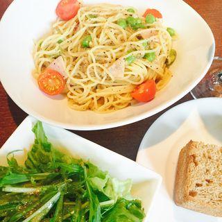 ロースハム、プチトマト、枝豆のスパゲッティ(EHバンク)