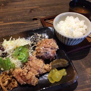鶏の竜田揚げ定食(犬茶屋本舗 )